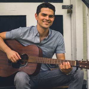 Andy Kahrs - Singing Guitarist / Folk Band in Nashville, Tennessee