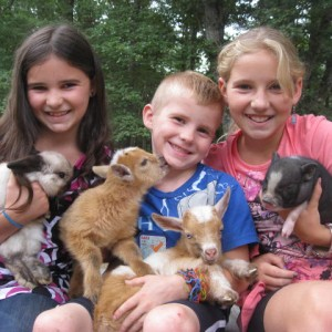 Animal Craze - Petting Zoo / Outdoor Party Entertainment in Winchendon, Massachusetts