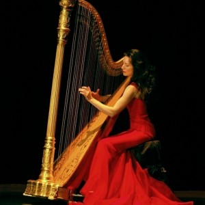 Anna Maria Mendieta - Solo to Ensemble - Harpist / Christmas Carolers in San Francisco, California