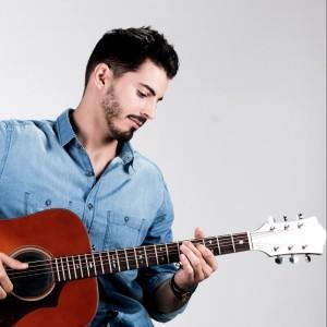 Arnaldo Costa - Singing Guitarist in Nashville, Tennessee
