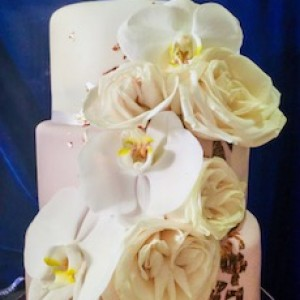 Aromas Boutique Bakery - Wedding Cake Designer / Cake Decorator in New York City, New York