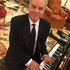 Arthur Cruz - Singing Pianist / Crooner in North Miami, Florida