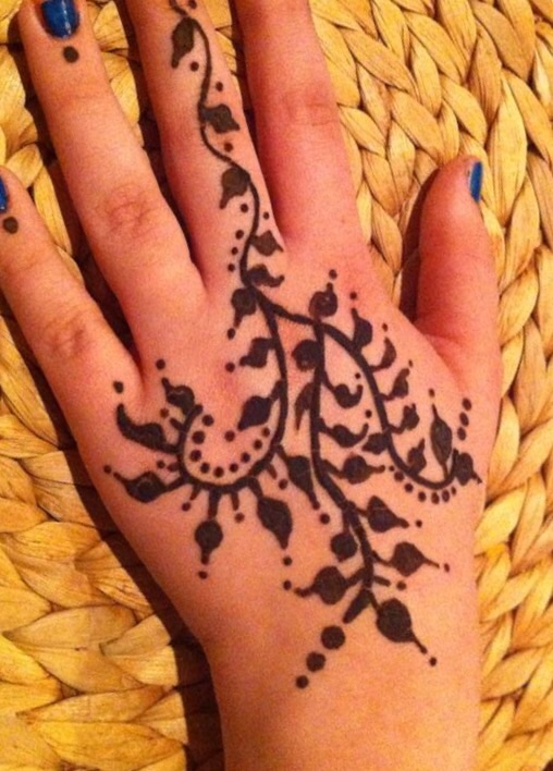 Hire artistic henna designs by lynn henna tattoo artist for Best tattoo artist in fort worth