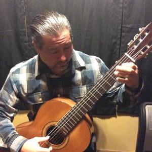 Arturo Guevara Finger Picking Guitarist