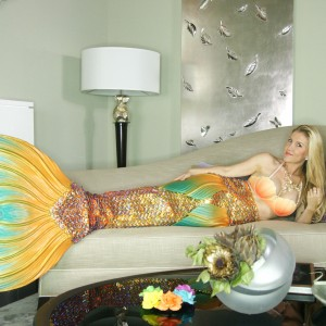 Authentic Mermaid w/giant shell & pearl - Mermaid Entertainment / Airbrush Artist in Las Vegas, Nevada