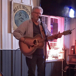 John Drake - Singing Guitarist / Acoustic Band in Springfield, Illinois