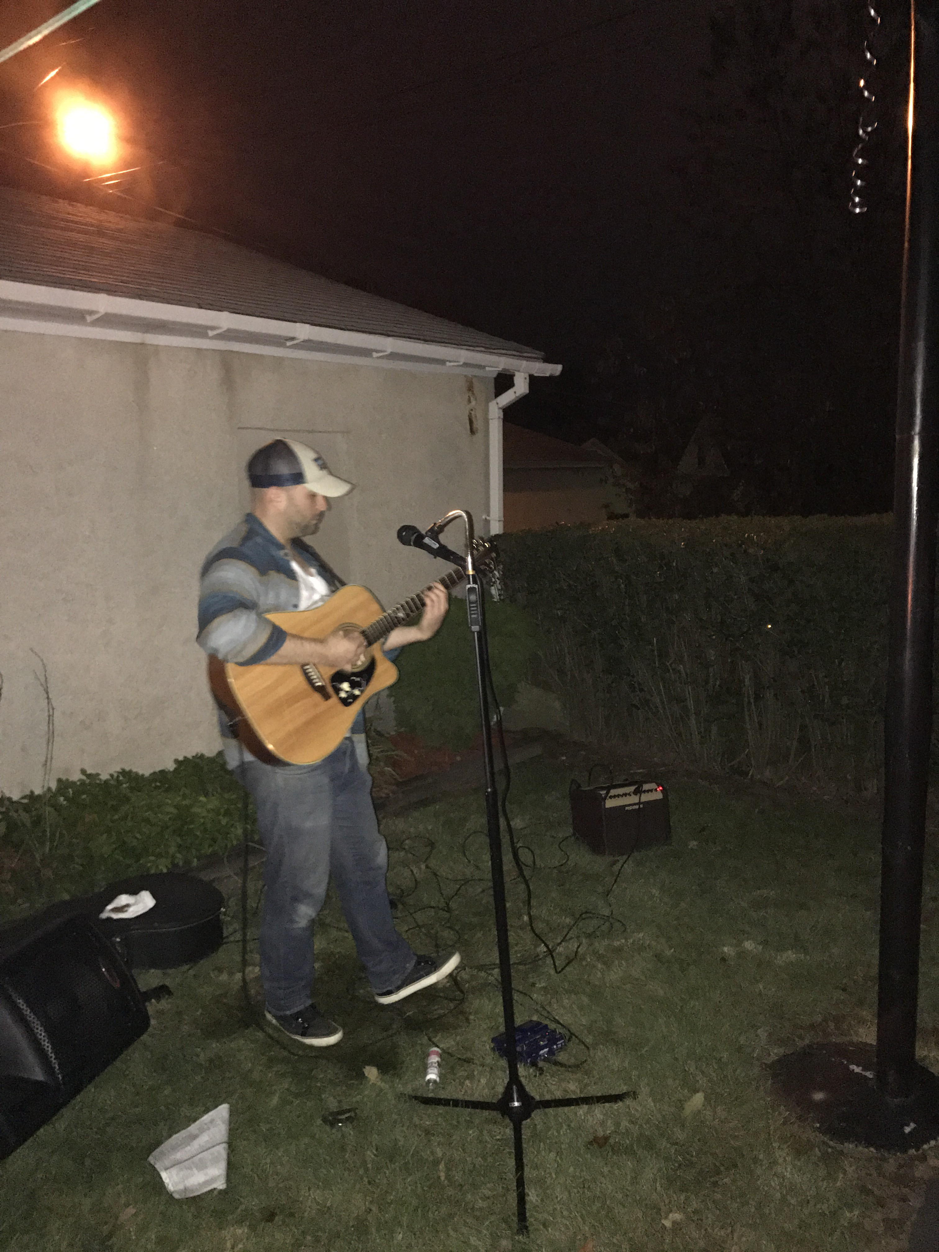 hire mike dillon acoustic musician acoustic band in scranton