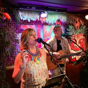 B-Man & mi-Shell - Acoustic Band in Key West, Florida