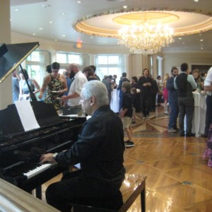 Alexander Solo Piano - Pianist / Wedding Entertainment in Toronto, Ontario