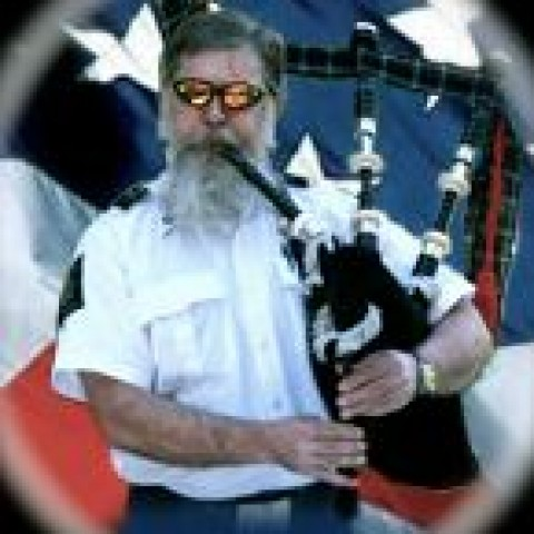 Hire bagpiper ron have pipes will travel bagpiper in for Burns supper order of service