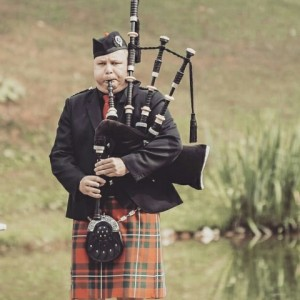 Bagpipes for Gigs - Bagpiper in Mississauga, Ontario