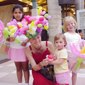 Balloon Art and Face Painting by Irina - Balloon Twister / Mime in Miami, Florida
