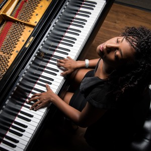 Persona Bell - Singing Pianist / Soul Singer in Charlotte, North Carolina