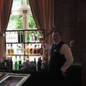Barman - Bartender in Valhalla, New York