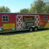 Barnyard Discoveries - Petting Zoos for Parties / Holiday Entertainment in Peoria, Illinois