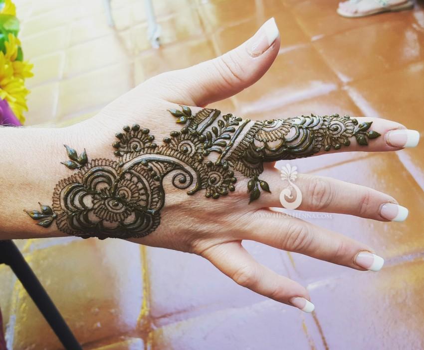 Henna Tattoo Artist Rental: Hire Beautiful Henna Mehndi Body Art