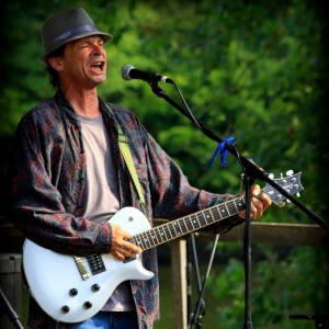 Benny Skyn - Singing Guitarist / Wedding Musicians in Knoxville, Tennessee
