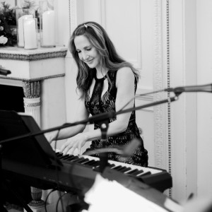 Gillian Berkowitz - Pianist / String Trio in Boston, Massachusetts