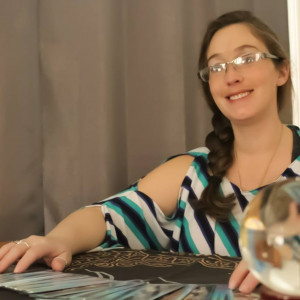 Betsy Figueroa Tarot Reader - Tarot Reader in Amsterdam, New York