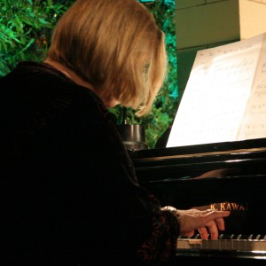 Bettie Ross - Pianist in Los Angeles, California