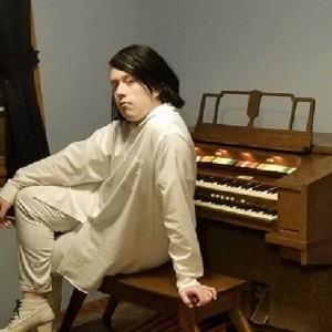 Blaine Patalon Pianist / Organist - Organist / Funeral Music in Erie, Pennsylvania