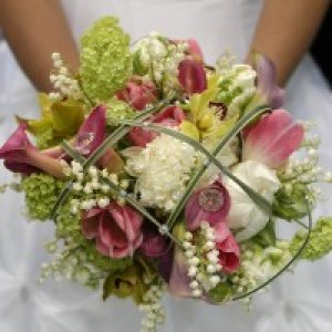 Blumz... by JRDesigns Floral & Event Professionals - Wedding Florist / Linens/Chair Covers in Detroit, Michigan