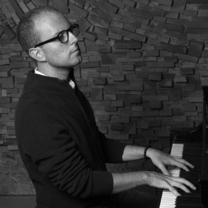 Brave The Night - Singing Pianist / Keyboard Player in New York City, New York