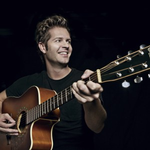 Bray - Singing Guitarist / Pop Singer in San Francisco, California