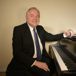 Brian Hart Music - Singing Pianist / 1940s Era Entertainment in Portland, Oregon