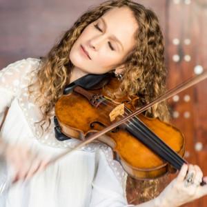 Briana Di Mara - Violinist in Oakland, California