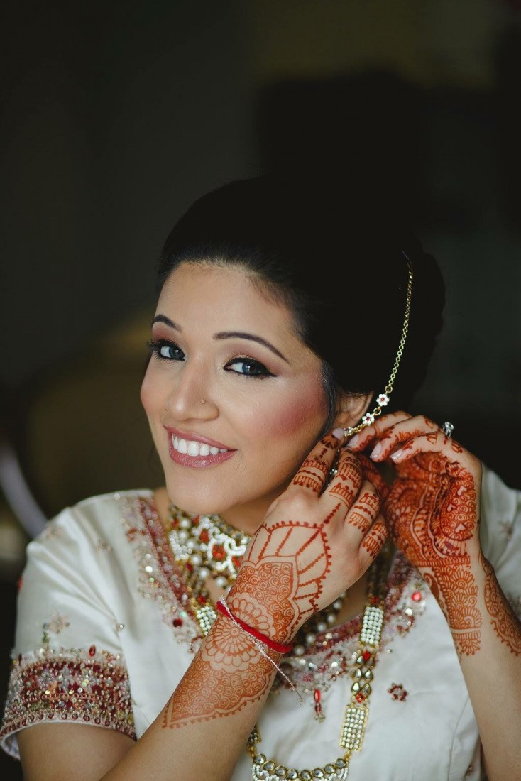Mehndi Makeup Review : Hire bridal henna makeup artist tattoo in