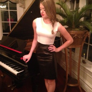 Brooke Graves - Singing Pianist in Wellesley Hills, Massachusetts
