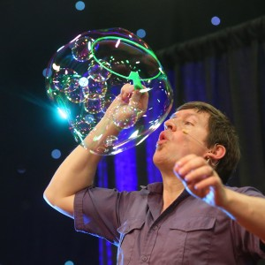 Bubble Wonders - Bubble Entertainment / Outdoor Party Entertainment in Lumby, British Columbia