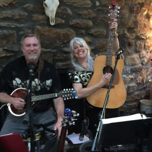 Carolyn Hannan Trio - Acoustic Band in Riverton, New Jersey