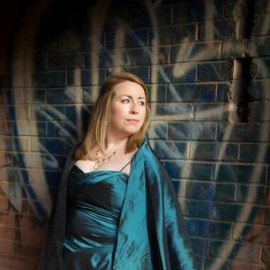 Catharin Carew, mezzo soprano - Opera Singer in Toronto, Ontario