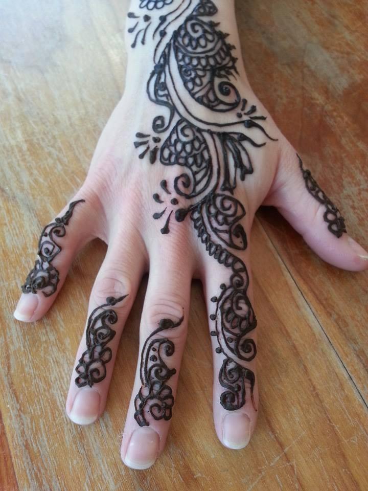 Henna Tattoo Artist Rental: Hire Celebrations Art Studio