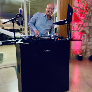 Ceremony Masters - Wedding DJ / Wedding Entertainment in Harker Heights, Texas