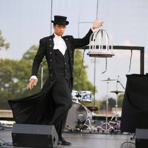 Charles Magicien - Magician in Lake Forest, Illinois
