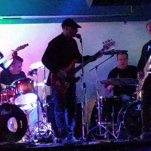 Chicken Head Rocks - Classic Rock Band in Flushing, New York