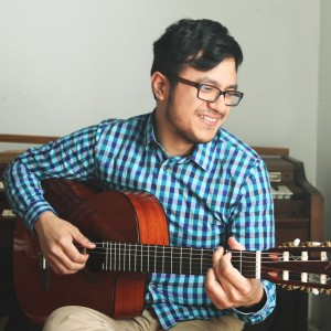 Chris Lee-Rodriguez: Solo Guitarist - Guitarist / Jazz Guitarist in Brighton, Massachusetts