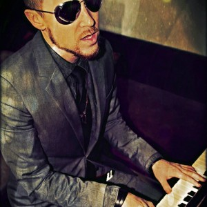 Chris Morris - Singing Pianist / Soul Singer in San Diego, California