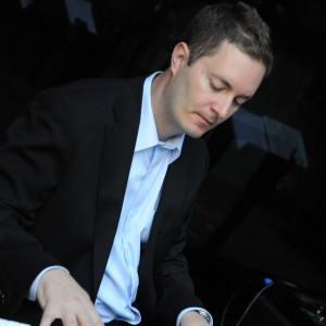 Chris White, Professional Pianist - Jazz Pianist / 1940s Era Entertainment in Chicago, Illinois