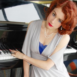 Christina Aguinaga - Singing Pianist in Anaheim, California