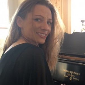 Christina Corson, Professional Pianist - Pianist / Wedding Musicians in Hoboken, New Jersey