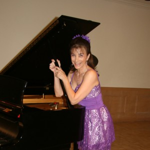 Christine - Pianist / Keyboard Player in Fort Lauderdale, Florida