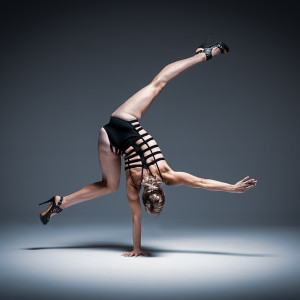 Atomic Circus - Acrobat / Contortionist in Chicago, Illinois