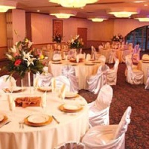 Clarion Hotel & Conference Center - Caterer / Wedding Services in Modesto, California