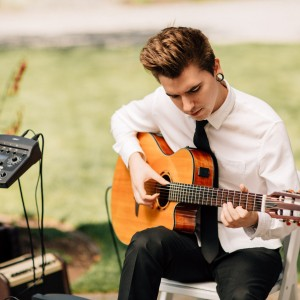 Classical, acoustic, and Spanish Guitar - Guitarist / Wedding Entertainment in Snohomish, Washington
