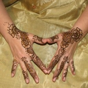 Cloud 9 Henna Body Art - Henna Tattoo Artist / Body Painter in Fairbanks, Alaska
