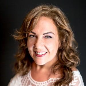 Comedian/Speaker Lori Gibbs - Stand-Up Comedian in Calgary, Alberta